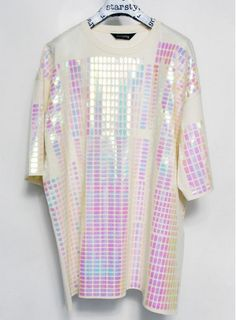 holographic t shirt dress Visual Kei, Holographic Fashion, Harajuku, Space Grunge, Retro Futuristic, Looks Cool, Kitsch, Style Inspiration, Stylish Clothes