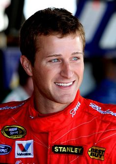 Cutest smile ever.  <3 Kasey Kahne.  So cute.
