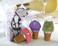 casamento decoração tão bonita miniatura bolsa rolhas de garrafa na caixa de presente sz034       http://pt.aliexpress.com/store/product/60pcs-Black-Damask-Flourish-Turquoise-Tapestry-Favor-Boxes-BETER-TH013-http-shop72795737-taobao-com/926099_1226860165.html   #presentesdecasamento#festa #presentesdopartido #amor #caixadedoces     #noiva #damasdehonra #presentenupcial #Casamento