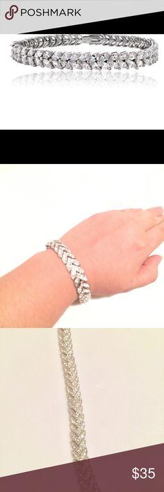 Silver bracelet Stonez Sterling Silver Cubic Zirconia Leaf Bracelet Jewelry Bracelets