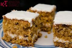 Proste ciasto z marchewki z białą kremową polewą. Ciasto dla dzieci. Najlepszy przepis na ciasto marchewkowe. Carrot cake.