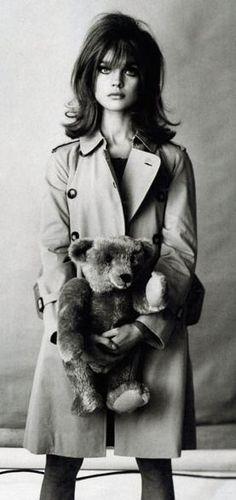 Natalia Vodianova as Jean Shrimpton, photographed by Steven Meisel for Vogue ('The Great Pretender'). -repinned by LA portrait studio http://LinneaLenkus.com #portraits