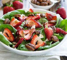 Spinach Salad: Strawberry with Candied Pecans