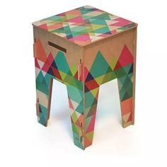 banquinho de madeira cores colorido