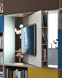 TV in jedem Raum: intelligenter Raumteiler mit schwenkbarer TV-Halterung