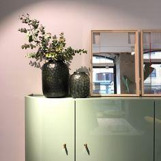 Interior Walls, Interior Design, Casa Milano, Bathroom Medicine Cabinet, Madrid, Furniture Design, Pure Products, Beautiful, Home