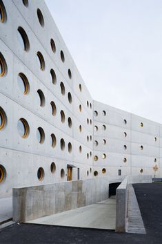 Research Library in Hradec Kralove / Projektil Architekti