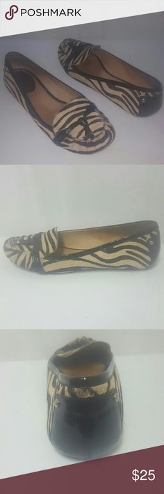 Kate Spade Pony calf hair patent Flats loafers 7 Kate Spade shoes in used condition. Size 7 medium, leather. kate spade Shoes Flats & Loafers