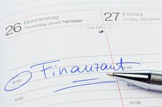 Steuererklärung: Das können Eltern von der Steuer absetzen The tax return for families: With a few simple tips parents can get back part of the costs from the First Month Of Pregnancy, Household Expenses, Pregnancy Hormones, Finance, Budget Planer, Business Photos, Money Saving Tips, Kids And Parenting, Good To Know