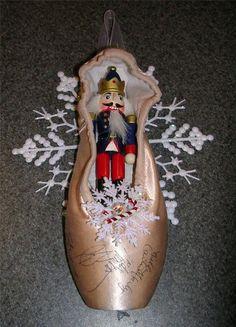 5 Tips For Male Ballet Dancers Ballet Crafts, Dance Crafts, Shoe Crafts, Dance Decorations, Christmas Decorations, Pointe Shoes, Ballet Shoes, Pink Christmas, Christmas Holidays