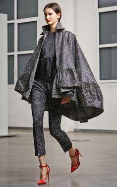 Antonio Berardi Pre-Fall 2014 Fashion Show Antonio Berardi, Androgynous Fashion, Fashion Show, Fashion Design, Runway Fashion, Fashion 2014, Fashion Images, Yorkie, Catwalk