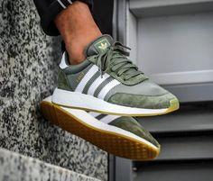 Adidas Green - Mode: Schuhe - Best Shoes World Sneakers Mode, Adidas Sneakers, Shoes Sneakers, Shoes Heels, High Heels, Adidas Boots, Platform Sneakers, Flats, Sneaker Outfits