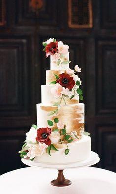 Red and Gold Wedding Cake, Old World Wedding Ideas #weddingcake #weddingcakes