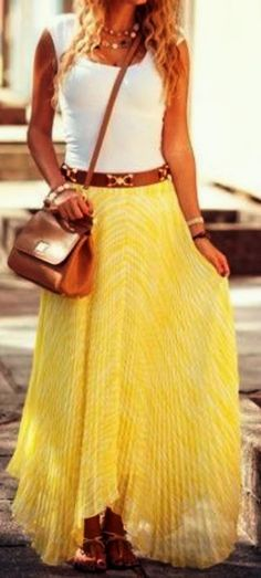 Spring Fashion - Yellow Maxi Skirt with a White Tank Outfit Chic, Outfit Zusammenstellen, Outfit Work, Work Attire, Look Fashion, Teen Fashion, Womens Fashion, Fashion Ideas, Fashion Trends