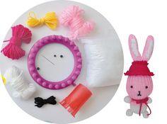 Ce kit contient tout le nécessaire pour réaliser un lapin en tricotin.