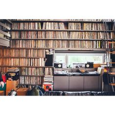 Stefaan Vandenberghe's record collection.