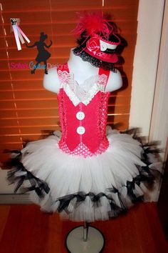 draculaura diy costume   DIY Monster High Costumes