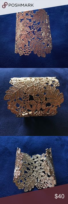 Stella & Dot Gold Chantilly Lace Cuff Beautiful gold filigree cuff. Adjustable to fit any wrist. Excellent condition! Stella & Dot Jewelry Bracelets