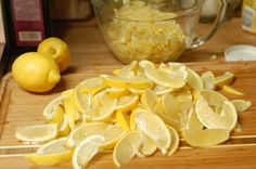 honey lemon marmalade canning recipe - this is amazing stuff, every bit as good as it sounds! I don't even like marmalade and I want to try this. Jelly Recipes, Lemon Recipes, Jam Recipes, Canning Recipes, Drink Recipes, Kitchen Recipes, Lemon Marmalade, Marmalade Recipe, Salsa Dulce