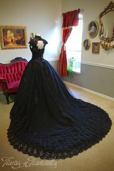 #Gothicwedding #Gothicweddingdress