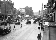 26th July 1932:  Looking north up Seven Sisters Road at Finsbury Park (Photo by Fox Photos/Getty Images)