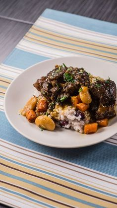 Jamaican Oxtail Stew – I Love Meat - This wonderfully rich Jamaican oxtail stew will warm your soul and your tastebuds. Jamaican Cuisine, Jamaican Dishes, Jamaican Recipes, Oxtail Recipes, Beef Recipes, Cooking Recipes, Cajun Recipes, What's Cooking, Cooking Ideas