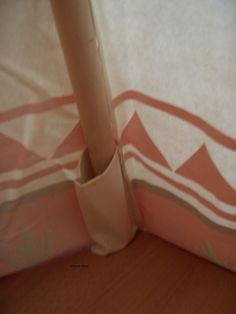 Sew large pockets for teepee poles Sewing For Kids, Baby Sewing, Diy For Kids, Crafts For Kids, Diy Tipi, Diy Teepee Tent, Kids Tents, Teepee Kids, Teepees