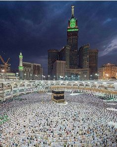 MashaAllah   Ya Allah, Let us worship You in this Holy Mosque.  Ameen.