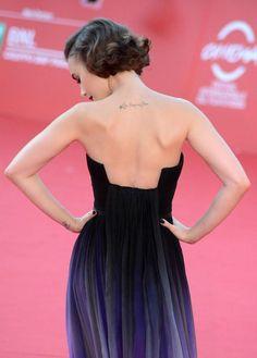 Todas las imágenes de Lily Collins en el festival de Roma vistiendo Elie Saab y Pamella Rolland...