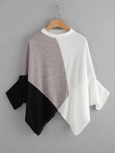 SheIn offers Color Block Asymmetric Hem Tee & more to fit your fashionable needs. SheIn offers Color Block Asymmetric Hem Tee & more to fit your fashionable needs. Teen Fashion Outfits, Hijab Fashion, Fashion Dresses, Off Shoulder Bluse, Tee Online, Oversized Shirt, Blouse Dress, Blouse Designs, Blouses For Women
