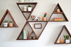 Triangle shelf for bouquet bedroom