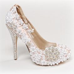 Lacey romantic shoes for your romantic scottish wedding.