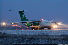 Ilyushin Il-76TD aircraft picture