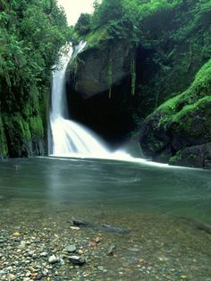 Google Image Result for http://www.costaricacheaphotels.net/wp-content/gallery/costa-rica/costarica.jpg