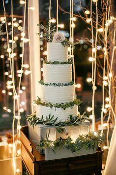 Featured Photographer: Emily Wren Photography; Wedding cake idea.