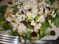 A very hearty Greek inspired chicken salad!