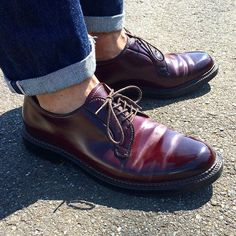 Great shoes with selvedge jeans, so where's the diamond socks? Me Too Shoes, Men's Shoes, Shoe Boots, Shoes Sneakers, Dress Shoes, Alden 990, Cordovan Shoes, Male Shoes, Red Wing Boots