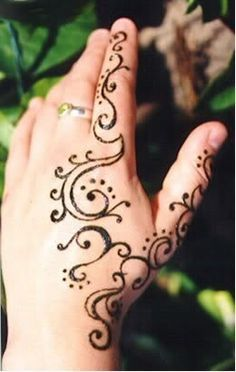 Henna-Designs-For-Beginners-Step-By-Step-How-To-Draw | Mesmerizing ...
