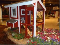This is a red coop, I am sure the Chickens love it, Chickens, chickens, chickens