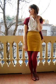 Color, mustard skirt, and tights. Cute Skirt Outfits, Pretty Outfits, Fall Outfits, Unique Outfits, Colored Tights Outfit, Green Tights, Pantyhose Outfits, Cute Fashion, Skirt Fashion