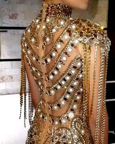 Fashion Line, Look Fashion, Daily Fashion, Indian Wedding Gowns, Blue Wedding Dresses, Carnival Outfits, Dragon Jewelry, Stylish Girl Pic, Body Jewellery