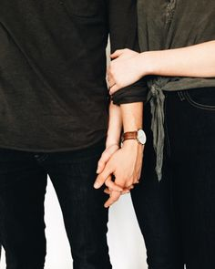 42 New Ideas Photography Fashion Couple Hands Gay Couple, Couple Hands, Love Couple, Couple Goals, Ropa Brandy Melville, Couple Photography, Fashion Photography, Shadow Photography, Friend Photography