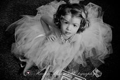 2 year old girl , lifestyle, TUTU , birthday picture , classic beauty, Harper Mason Photography