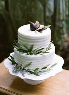 Italian Garden Wedding Ideas via Magnolia Rouge