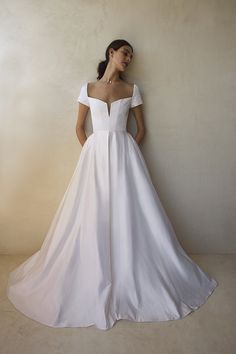 San Diego Scheduling — The Dress Theory Sarah Seven Bridal, Sarah Seven Wedding Dresses, Dream Wedding Dresses, Bridal Dresses, Wedding Gowns, Minimalist Wedding Dresses, Minimalist Gown, Bridal Boutique, Wedding Wishes