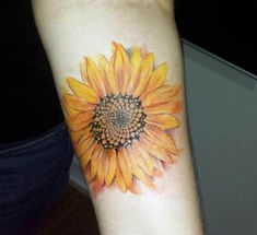Sunflower tattoos for women – ideas and designs for girls - diy tattoo images Watercolor Sunflower Tattoo, Sunflower Tattoo Simple, Sunflower Tattoo Shoulder, Sunflower Tattoos, Sunflower Tattoo Design, Shoulder Tattoo, Tattoo Watercolor, Abstract Watercolor, Tattoo Bicep