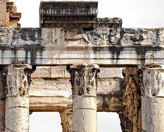 Temple of Antoninus and Faustina, Rome Roman Architecture, Ancient Architecture, Architecture Details, Ancient Rome, Ancient Greek, Ancient Ruins, Italy Destinations, Roman Republic, Classical Antiquity
