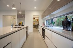 Lorne 302 Display Home - Modern - Kitchen - Melbourne - by Hotondo Homes Kitchen Interior, New Kitchen, Kitchen Dining, Kitchen Cabinets, Dining Room, Kitchen Modern, Hotondo Homes, Kitchen Color Trends, Kitchen Work Triangle