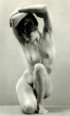 Ruth Bernhard, Balancing, 1971
