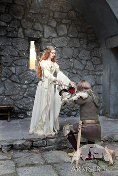 Robe de mariage en velours blanc « L'Adoubement »